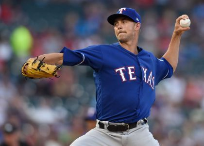 Minor Pitches Rangers Past Twins For 6th Straight Win