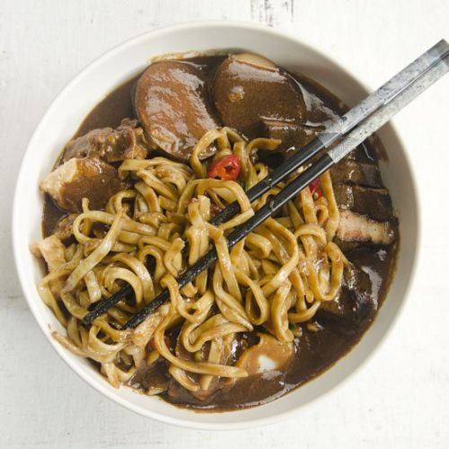 Chinese Braised Noodles