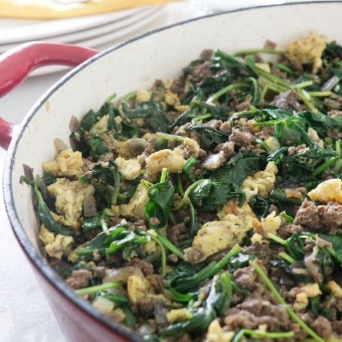 Spinach, beef and egg breakfast hash