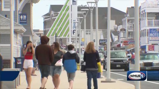 Visitors flock to Hampton Beach for first major weekend of season