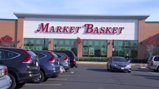 Four Market Basket employees catch man who threatened co-worker with knife