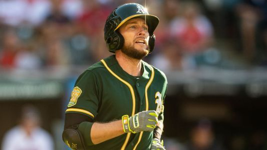 MLB hot stove: Mets sign infielder Jed Lowrie, report says