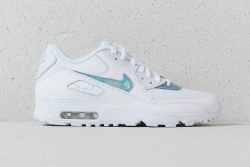 """Nike's Air Max 90 Gets a Clean """"Royal Tint"""" Colorway"""