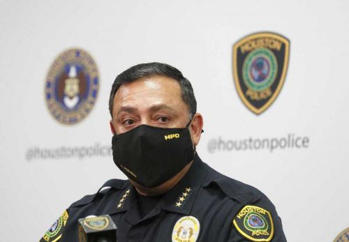 Houston police chief says private stores can still have you arrested for not wearing a mask