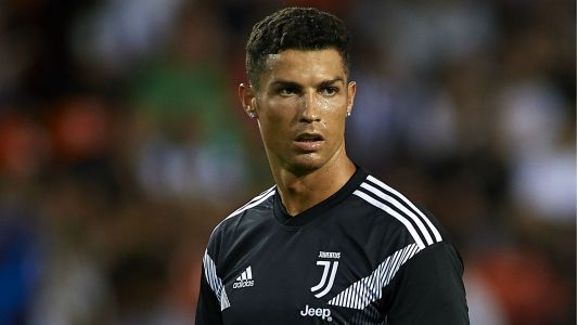 Cristiano Ronaldo gets early red card in Juventus Champions League debut