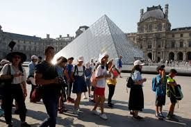 Record number of 10.2 million people visits Louvre Museum last year