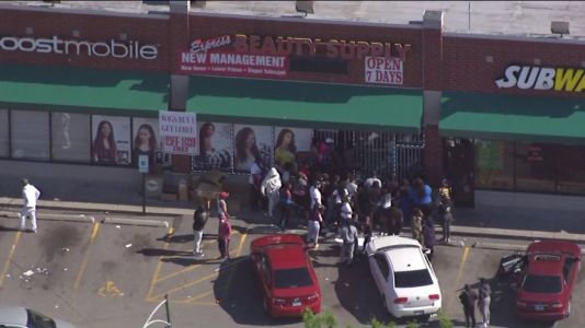 Businesses in Chicago and many suburbs targeted by looters Sunday