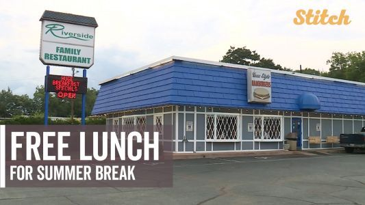 Family restaurants serve free lunches to students during summer break