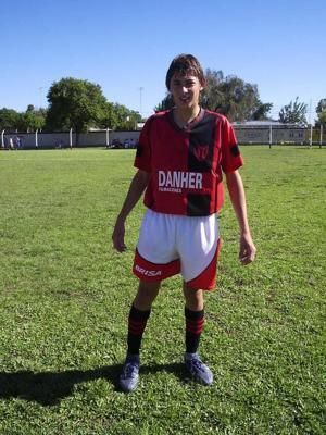 Search resumes to find plane with soccer player Sala aboard