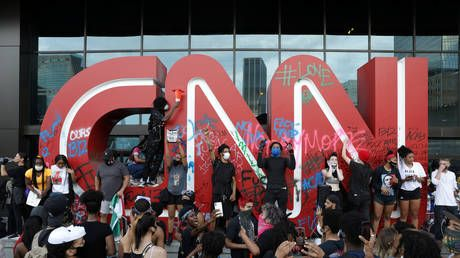 Mainstream media's power to influence crumbles as nearly 9 in 10 Americans see high or medium level of bias, new poll shows