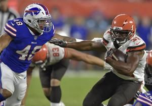 QB scramble: McCarron injured as Bills down Browns 19-17