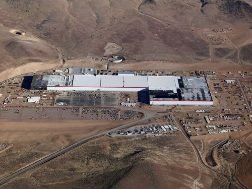 A Tesla Gigafactory worker got part of his finger cut off. The company reportedly failed to tell regulators about it
