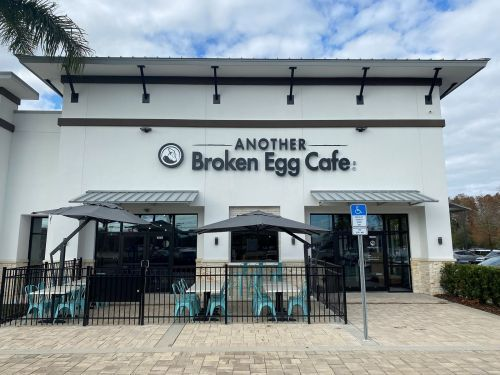 Another Broken Egg Cafe Opens Strong in Orlando, FL