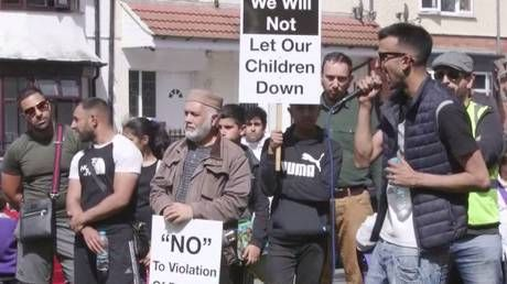 'Fight discrimination but don't infringe on parents' beliefs,' anti-LGBT lessons protester tells RT