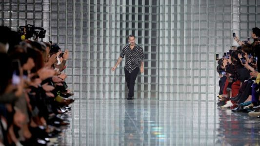 Marc Jacobs Apologizes for Extreme Delay in Runway Show Start-Time