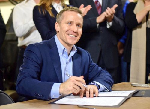 Report: Missouri Governor Eric Greitens admits to extramarital affair back in 2015
