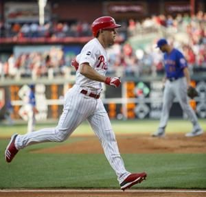 Franco hits go-ahead homer, Kapler tossed in Phillies win