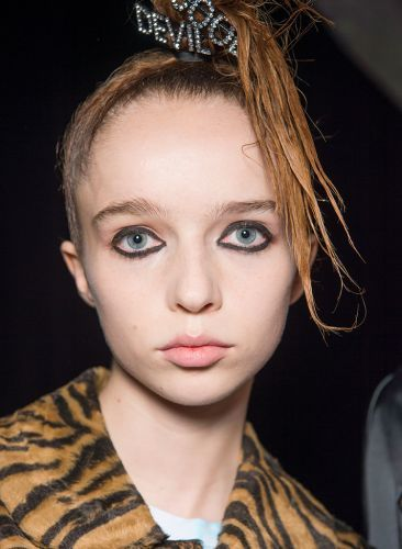 7 Beauty Looks From Fashion Week To Recreate Now