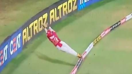 'Best fielding in history of cricket': Fans gobsmacked after Pooran pulls off INCREDIBLE save during IPL game