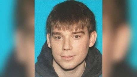 Nashville Police continue manhunt for naked waffle house killings suspect Travis Reinking