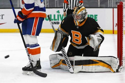 Bruins rookie goaltender earns first career shutout in win over Islanders