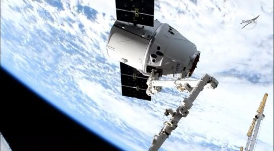 SpaceX Dragon Delivers NASA Cargo to Space Station