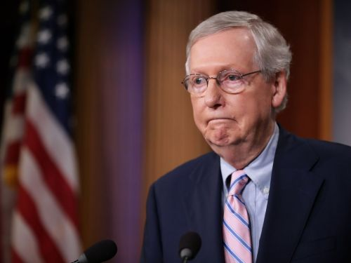 Mitch McConnell Heckled by Protesters During Dinner Out, Again