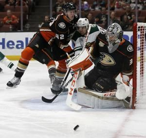 Minnesota defeats Anaheim 5-1 for fourth win in past 5 games