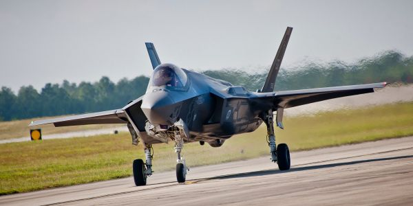 US F-35 fighter jets are all still 'below service expectations' for all the services that have them