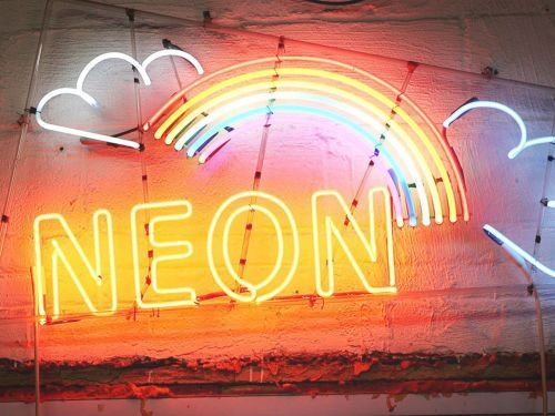 Watch: How a Glass Master Makes Iconic Neon Signs for Restaurants