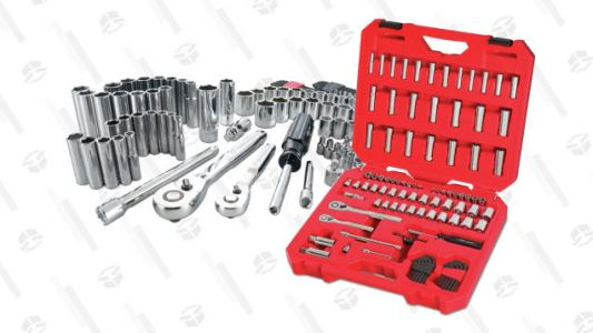 At Lowe's, Get a Set of 105 Craftsman Ratchets and Sockets for $60