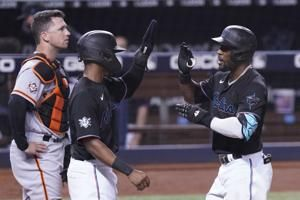 Marte's 3-run HR in 8th lifts Marlins to 4-1 win vs Giants