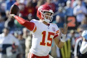 Titans edge Chiefs in Mahomes' return; Packers hold on