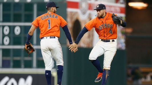 Astros finish perfect 10-game road trip with 11th straight win