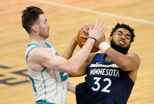 Hornets Hand Wolves Ninth-Straight Loss In 135-102 Win