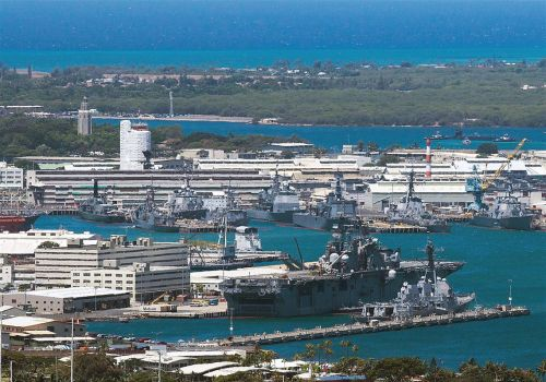 Reports of a shooting at a Pearl Harbor shipyard spur a military response