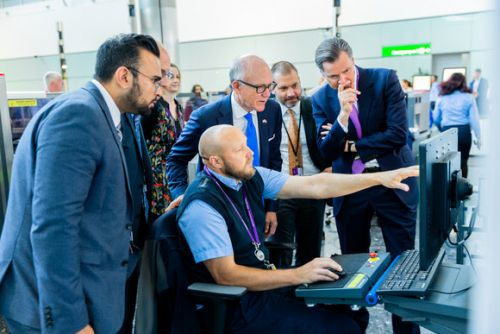 Ambassador celebrates Heathrow's special security relationship with US during visit