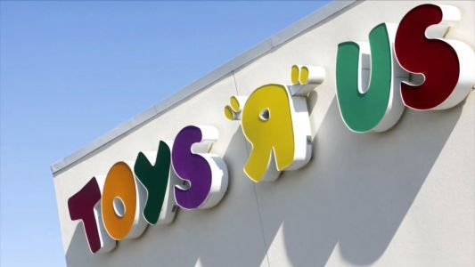 Toys R Us liquidation sales 'postponed until further notice,' sign says
