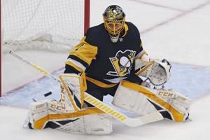 Crosby, DeSmith help Penguins snap 5-game skid