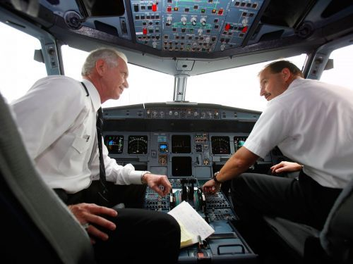 3 things to watch out for when booking a flight, according to a pilot