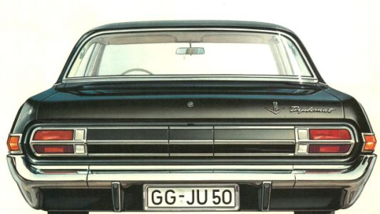 The 1965 Opel Diplomat V8 had a very nice rear indicator light solution, I think