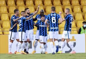 Hakimi inspires Inter to 5-2 win, Atalanta beats Lazio 4-1