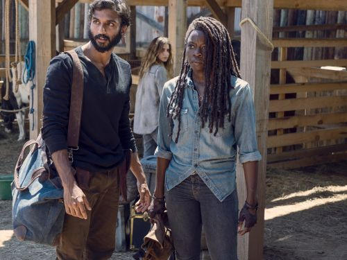 8 details you may have missed on the mid-season finale of 'The Walking Dead'