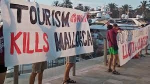 "Hotels targeted by anti-tourism protestors as Majorca suffering from ""tourismphobia"""