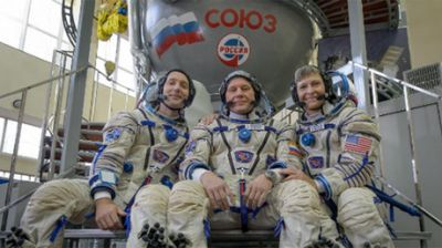 New ISS crew sets off into space from Russian launchpad