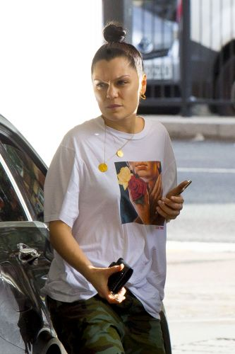 Jessie J Steps Out in London with a Fresh Face and Trendy Outfit - See Photos!
