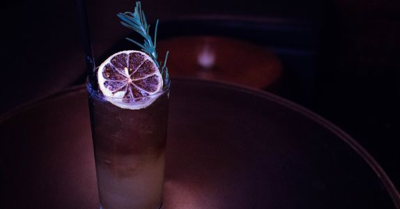 How Dehydrated Garnishes Create a Smarter, More Sustainable Bar