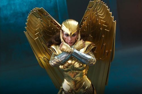 Hot Toys Offers Better Look at Wonder Woman in Golden Armor