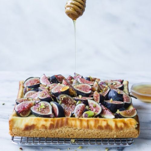 Honey Cheesecake Bars with Figs