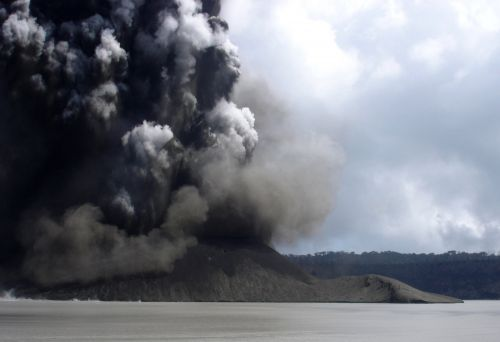 6,000 people have been evacuated as a volcano on a Vanuatu island begins to erupt